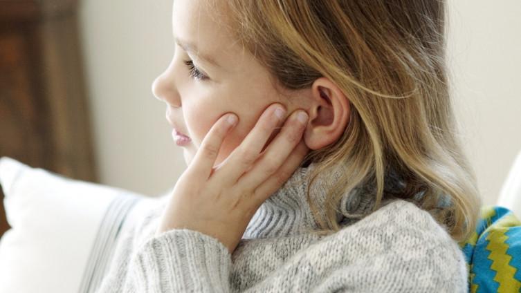 Kako prepoznati i pravilno reagirati kada dijete ima upalu uha