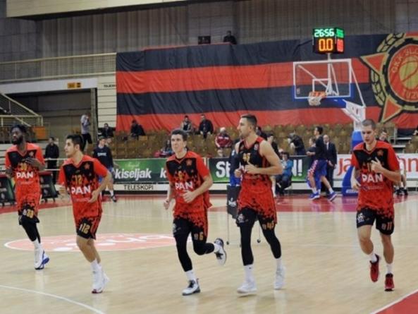 Nakon tri uzastopne pobjede košarkaši Slobode u nedjelju dočekuju ekipu Vogošće