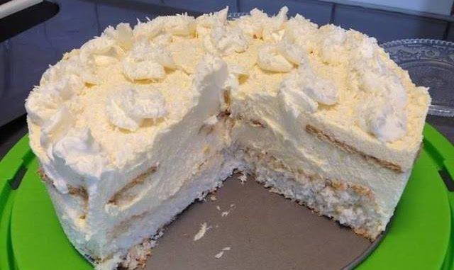 """Rafaelo torta za """"25 minuta"""" – za nju kažu da je kraljica među tortama"""