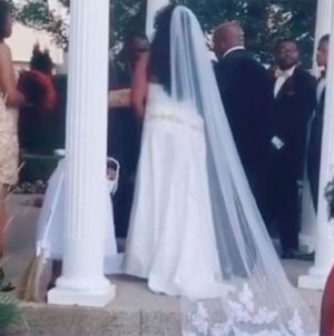 Uletjela na svadbu i viknula mladoženji: Nosim tvoje dijete /Video/