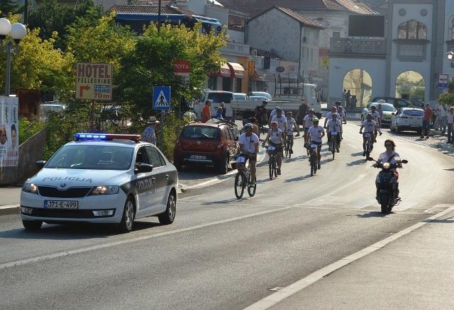 Zbog biciklističke utrke Beograd – Banja Luka danas obustava saobraćaja na putu Lopare – Čelić – Brčko