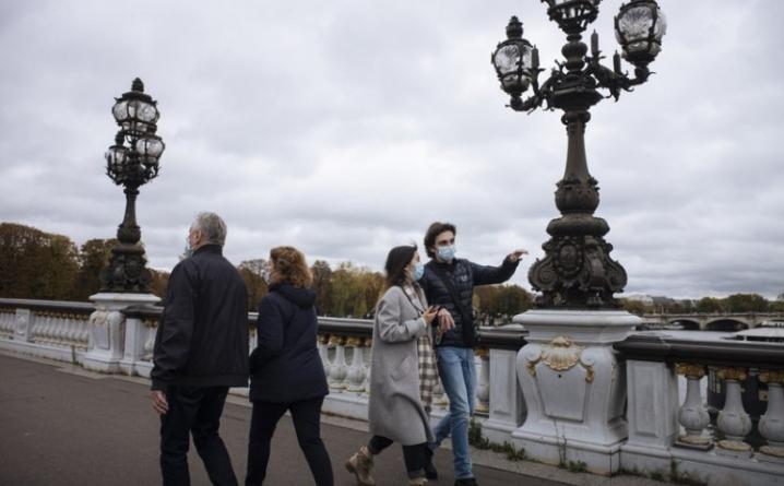 Uvedene nove mjere u Francuskoj, zabranjeni izlasci iz domova, obavezan rad od kuće…