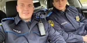 Mladi policajac koji je uhapsio supruga tužiteljice vraćen na posao
