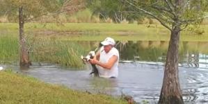 Pogledajte kako je čovjek spasio svog psića iz ralja aligatora