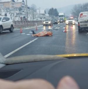 U saobraćajnoj nesreći u mjestu Dobrnja poginuo pješak