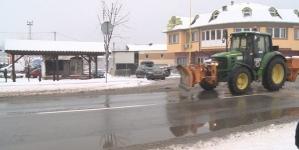 Zimska služba JKP Komunalca kontinuirano na terenu