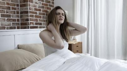 5 čestih razloga za uporne JUTARNJE GLAVOBOLJE