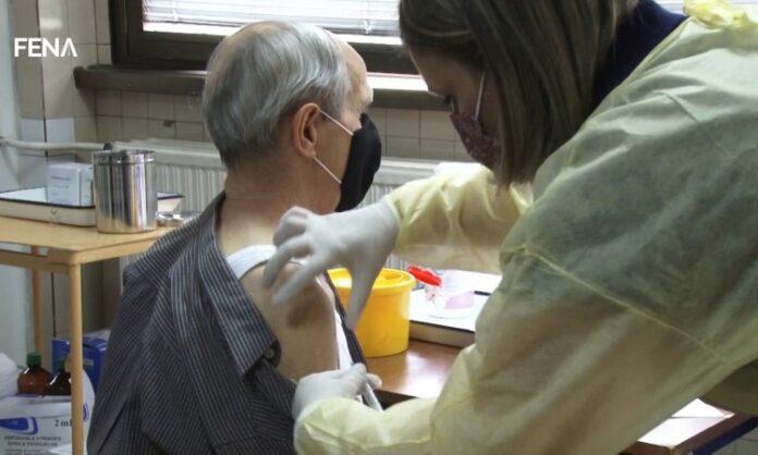 U Tuzli vakcinisano oko 1.600 građana starijih od 65 godina