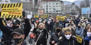 Danas novi protest u Sarajevu, građani traže smjenu vlasti i nabavku vakcina