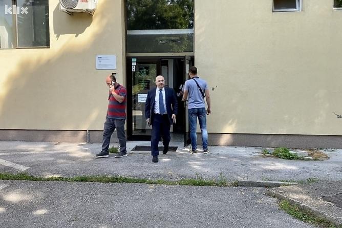 U Tuzli uhapšen Denis Prcić zbog afere u vezi s diplomom direktora OSA-e